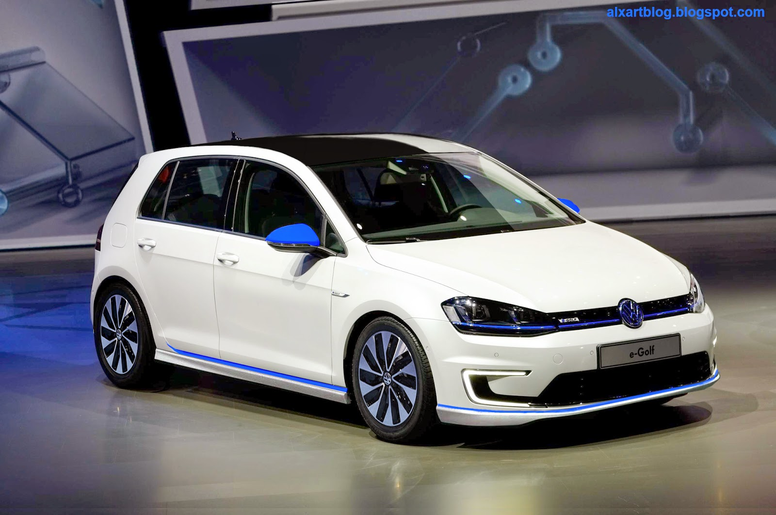 2015 volkswagen e golf photos informations articles. Black Bedroom Furniture Sets. Home Design Ideas