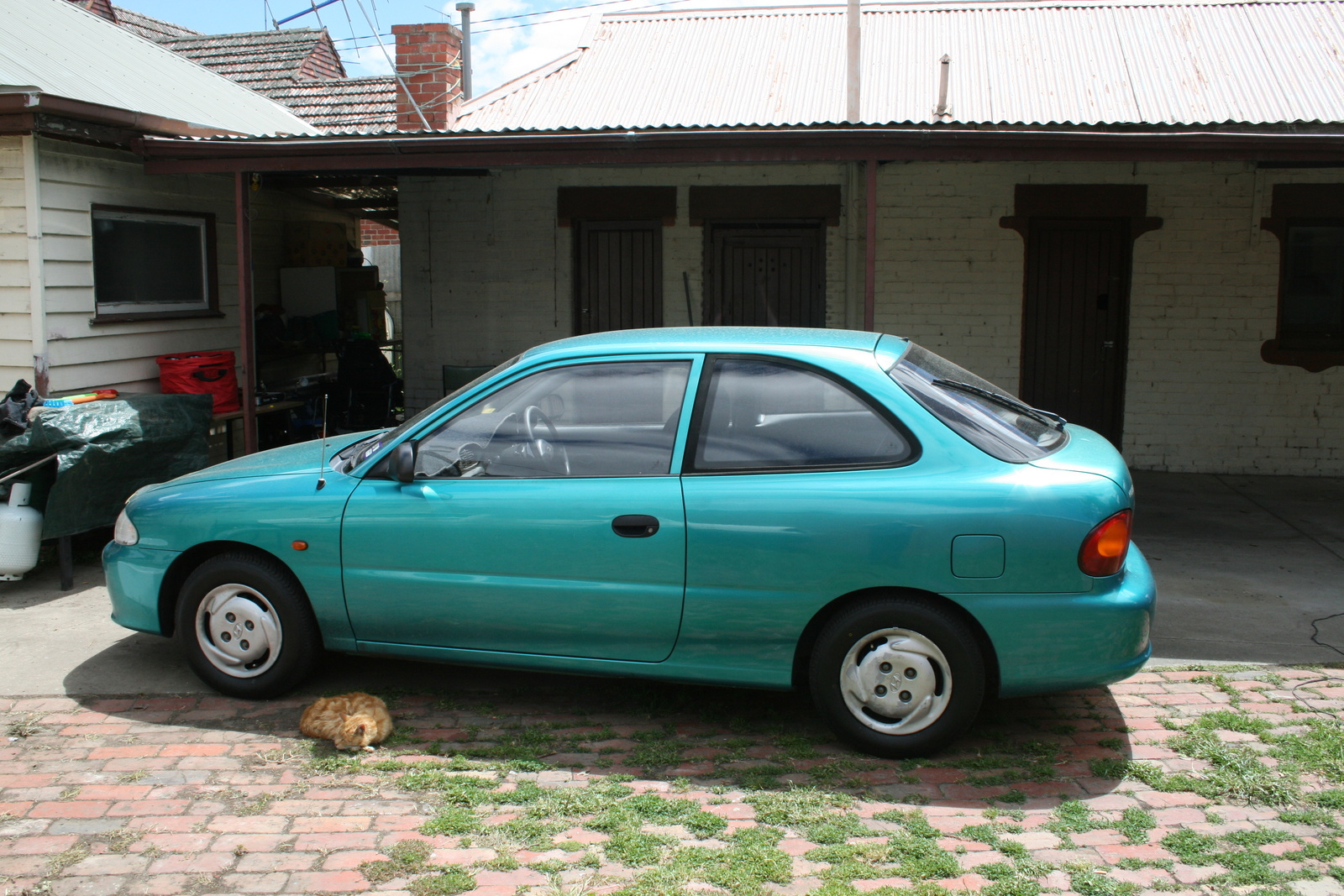 Hyundai Accent on 1992 Hyundai Elantra