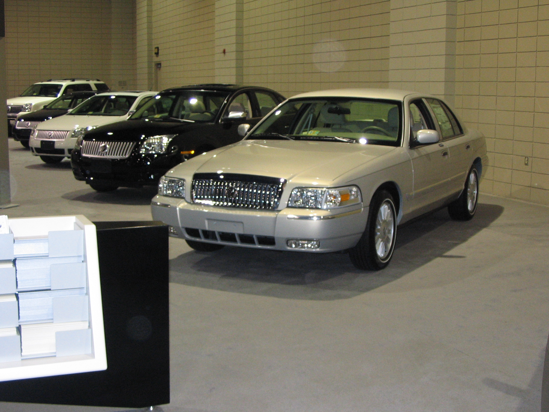 2011 Mercury Grand Marquis #9