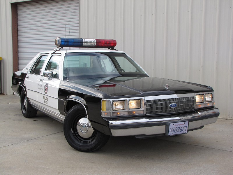 1991 Ford Ltd Crown Victoria #11