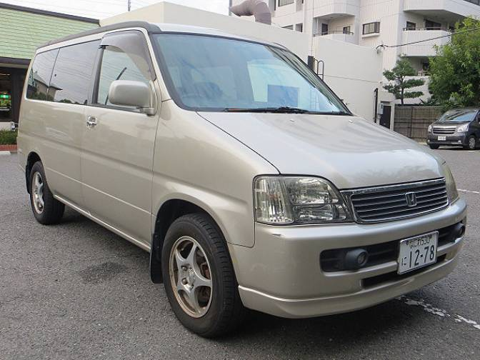 2000 Honda Step Wagon #9