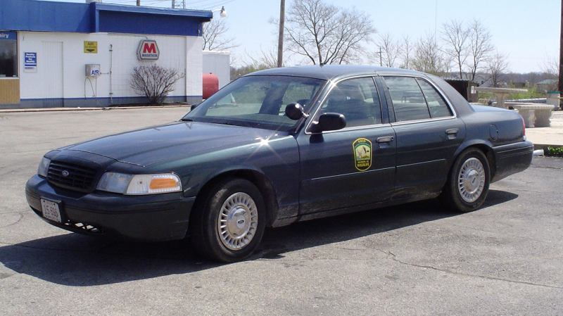 1999 Ford Crown Victoria #3