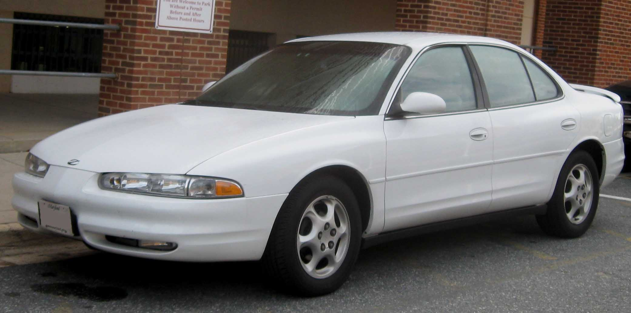 2000 Oldsmobile Intrigue #2