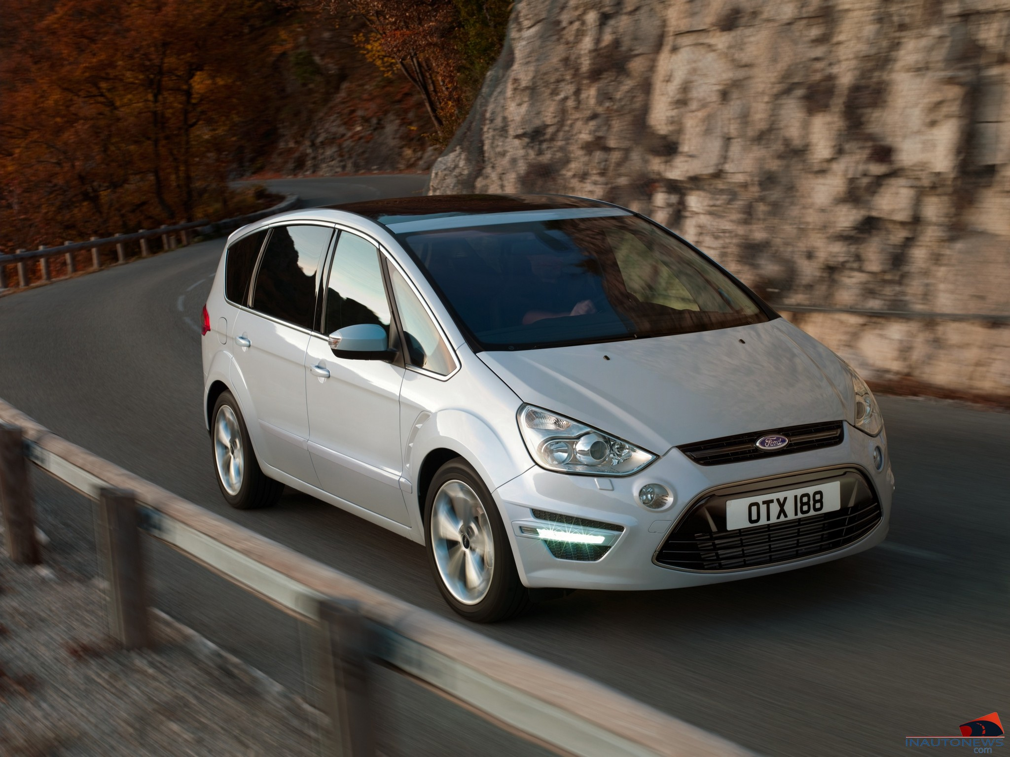 2010 Ford S-Max #5