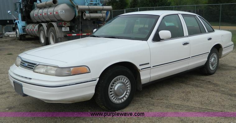 1994 Ford Crown Victoria #6