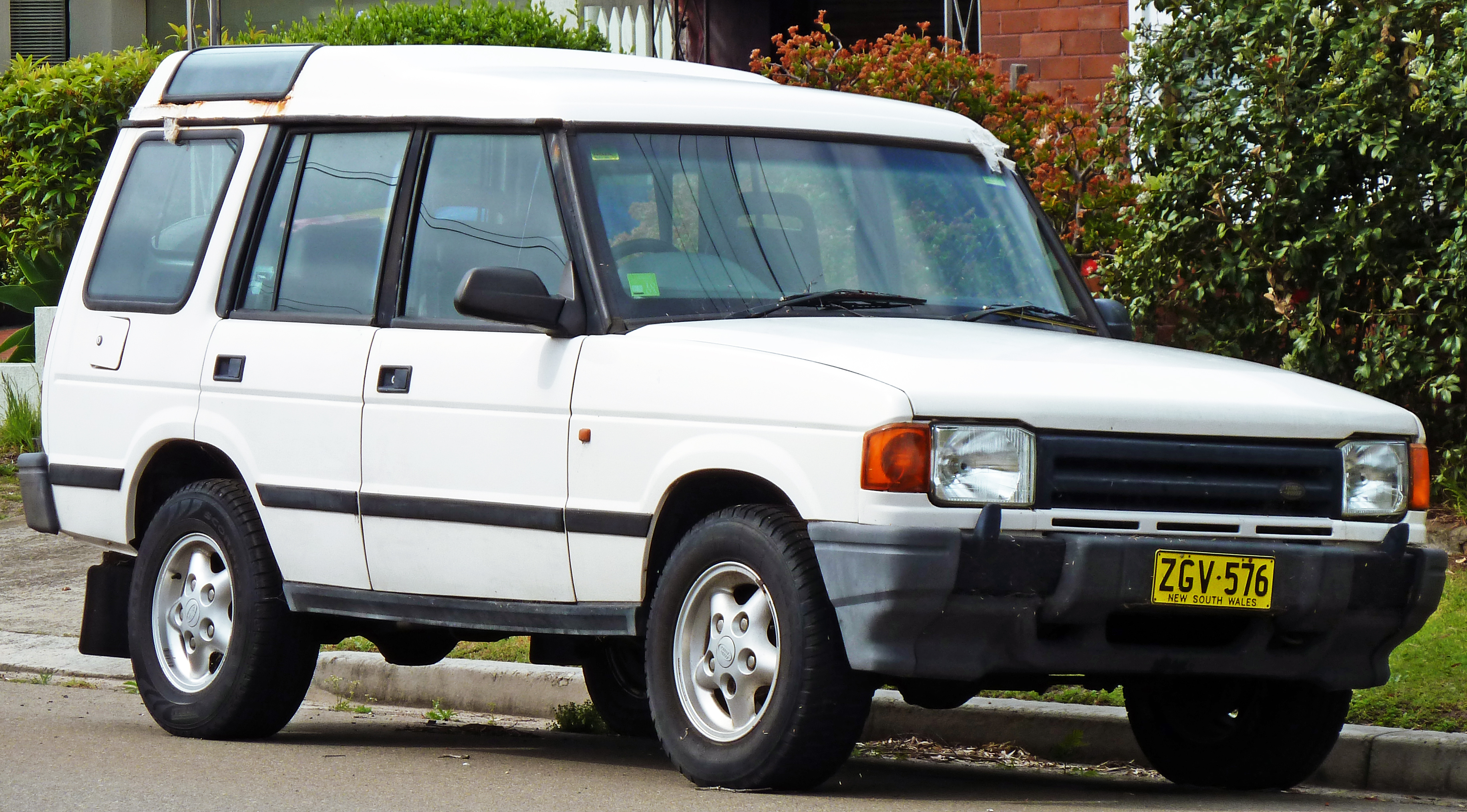 1997 Land Rover Discovery #2
