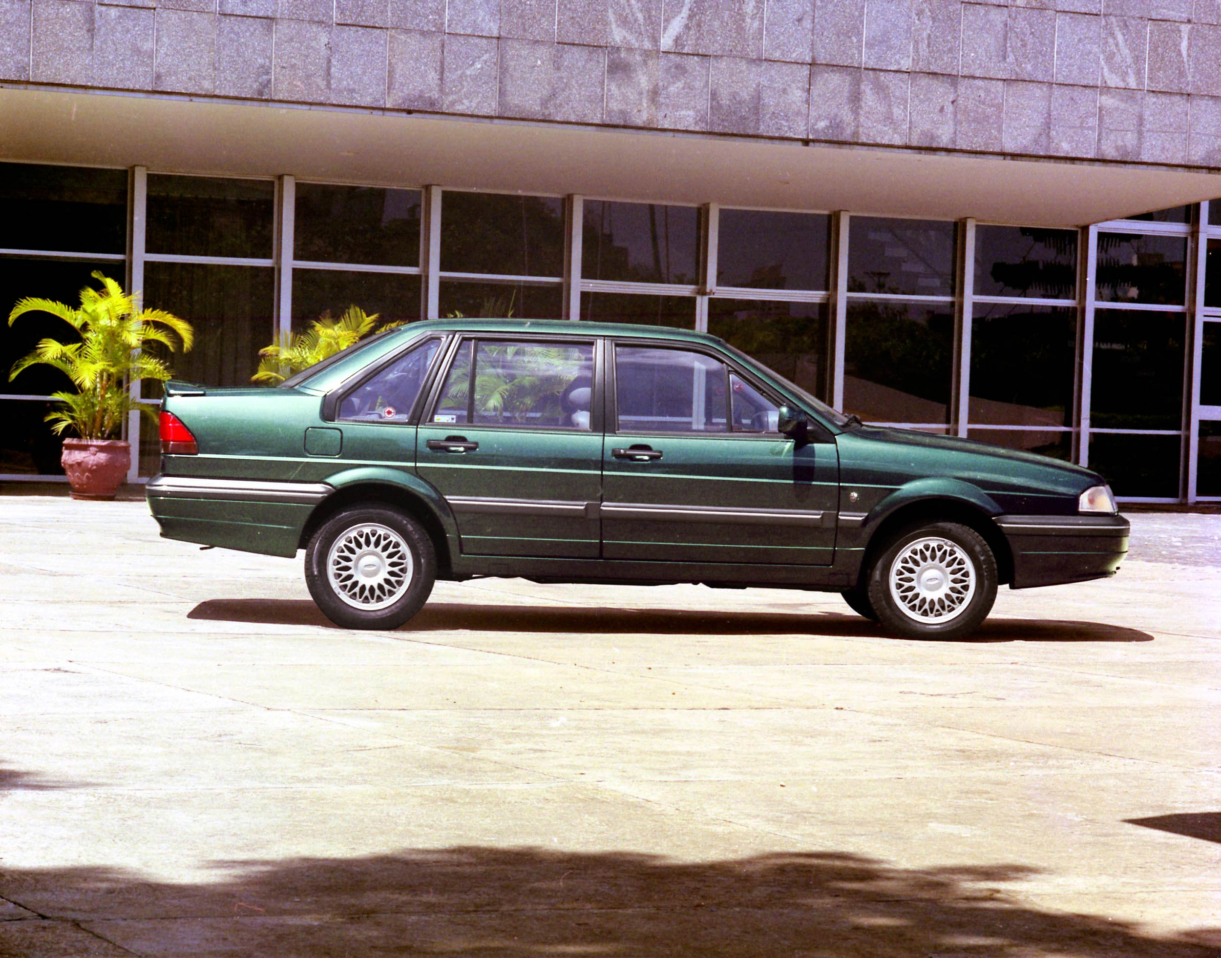 Ford Versailles #11