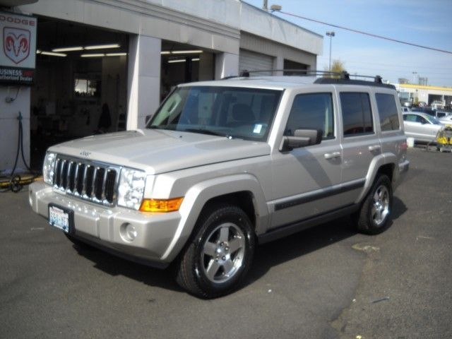 2009 jeep commander photos informations articles. Black Bedroom Furniture Sets. Home Design Ideas