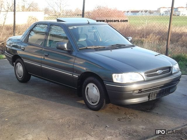 1993 Ford Orion #7