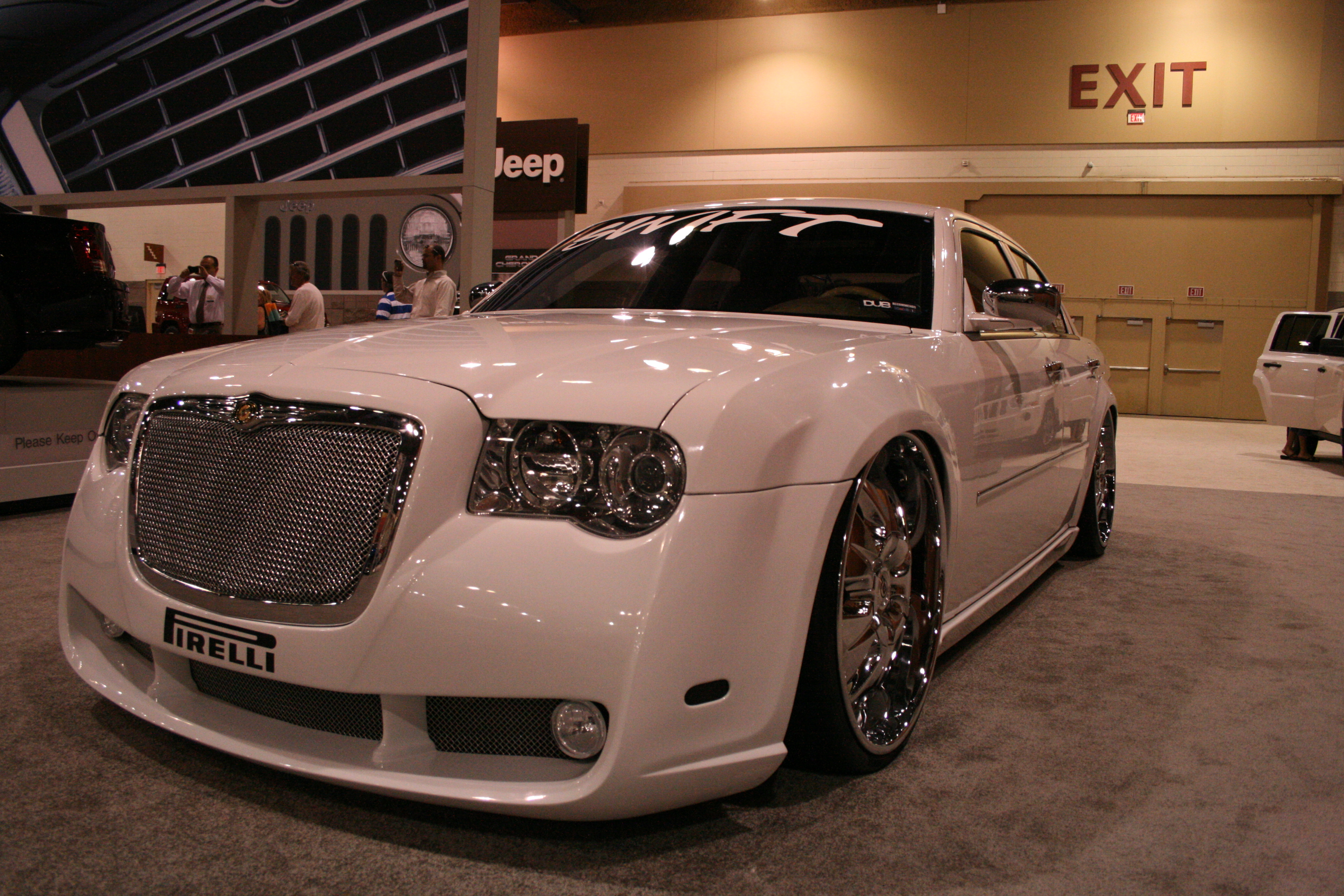 2009 Chrysler 300 #12