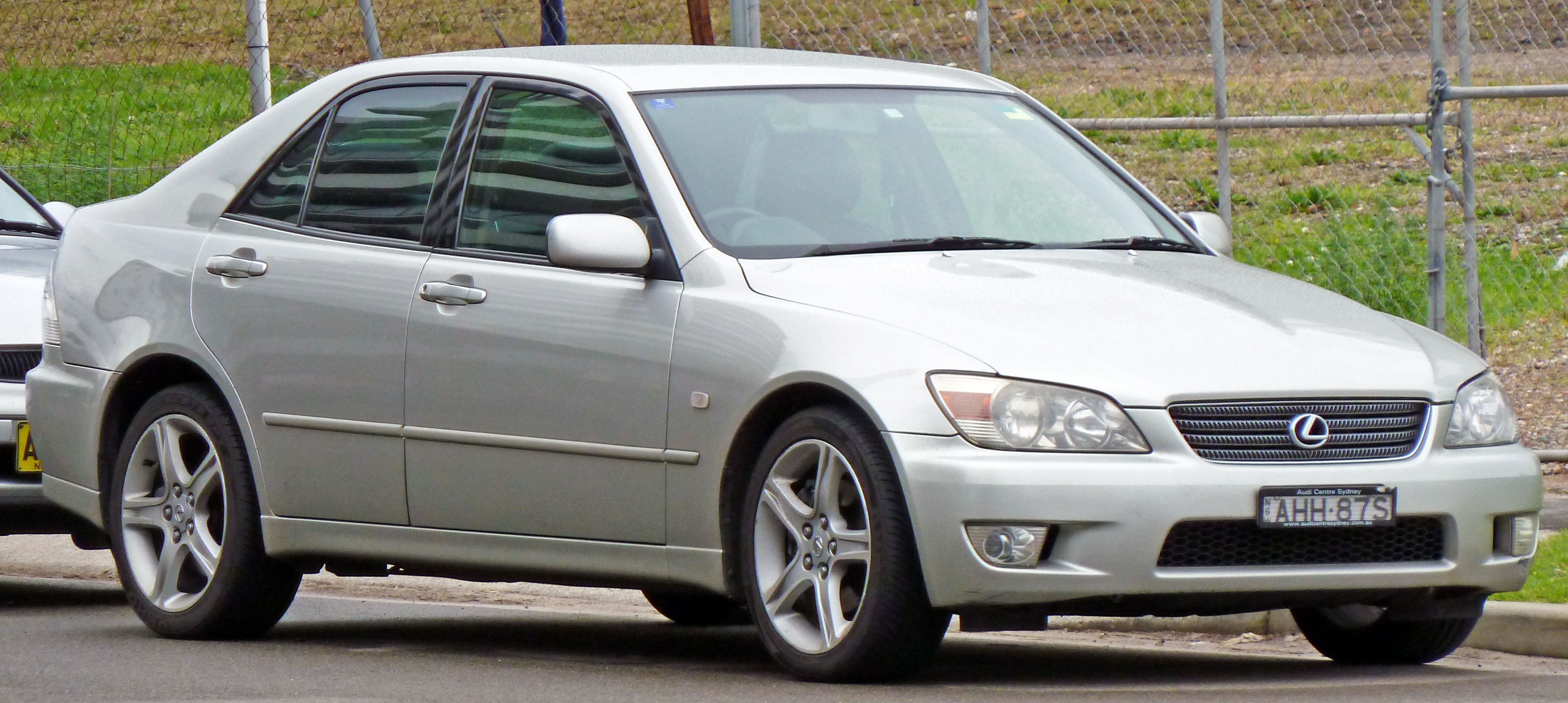 2000 Lexus IS #8