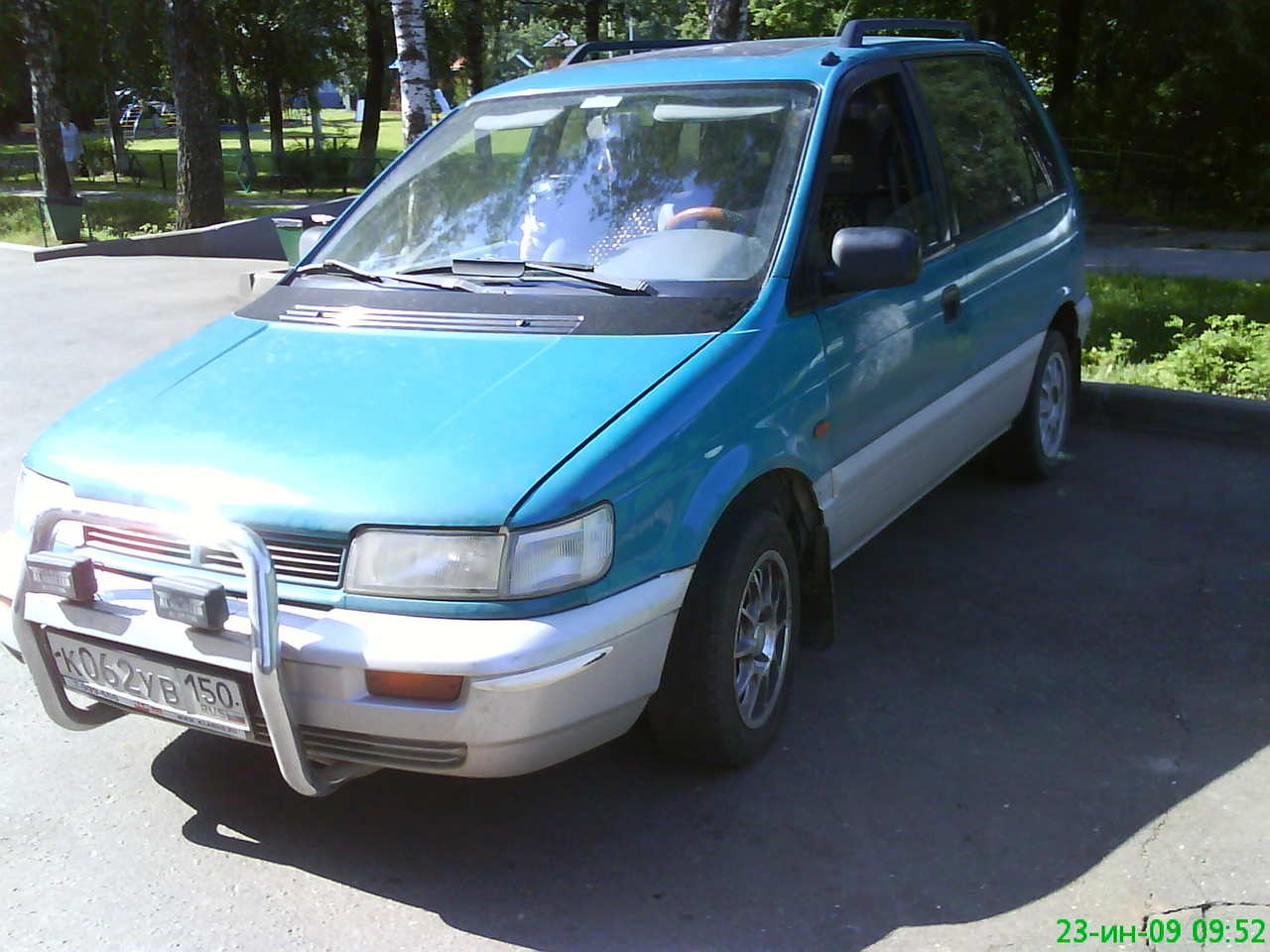 1992 Mitsubishi Space Runner #3