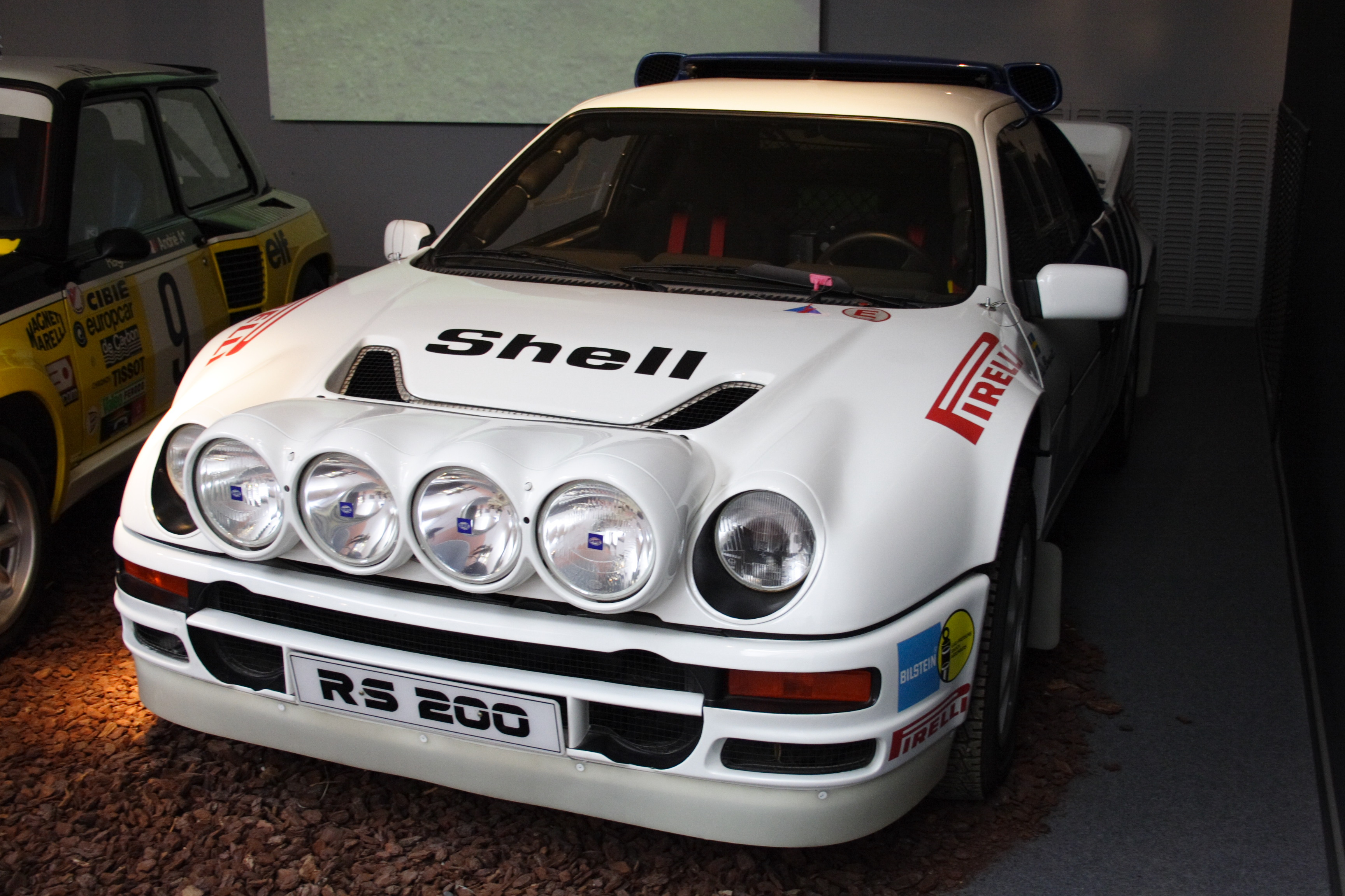 1990 Ford RS 200 #2