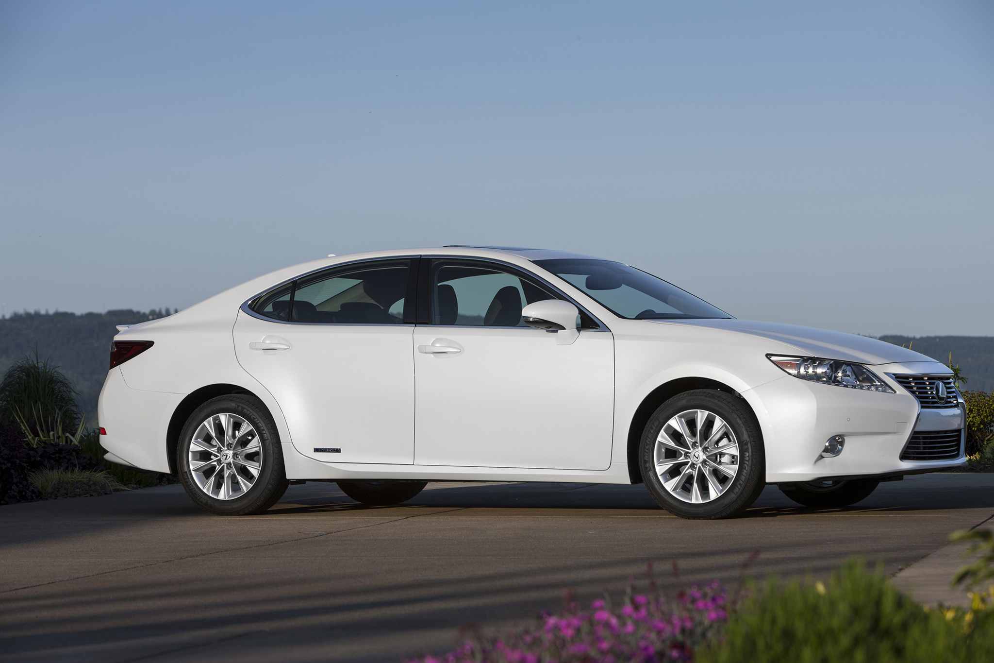 es reviews long review car lexus carsguide sports luxury term