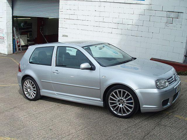 2004 Volkswagen Golf #16