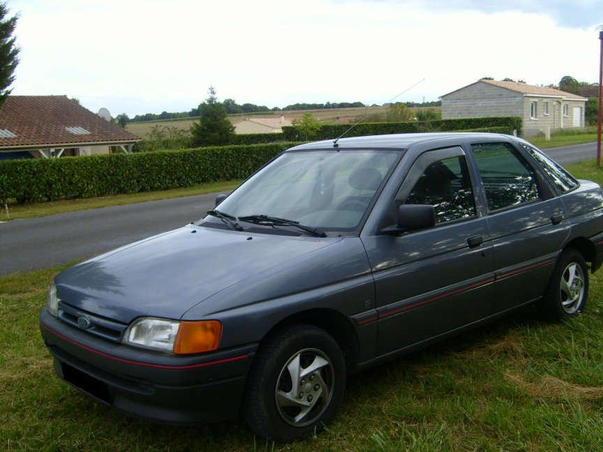 1991 Ford Orion #5
