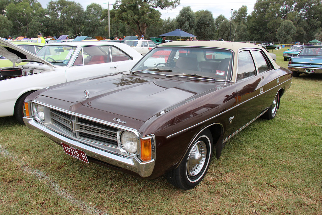 1976 Chrysler Valiant #6
