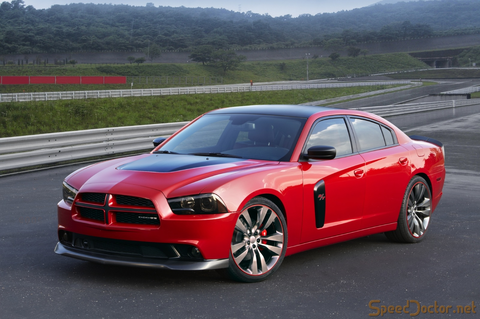 2011 Dodge Charger #13