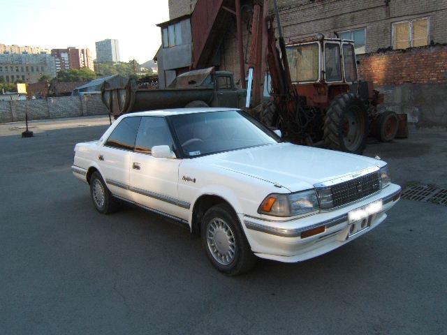 1987 Toyota Crown #4
