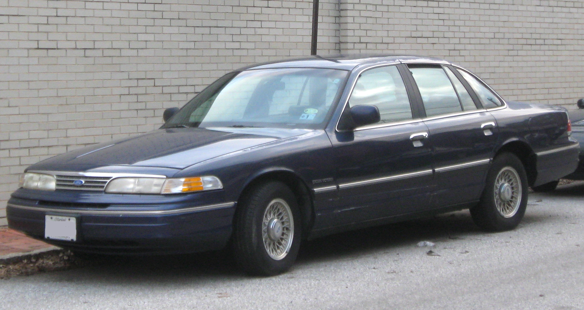 1992 Ford Crown Victoria #3