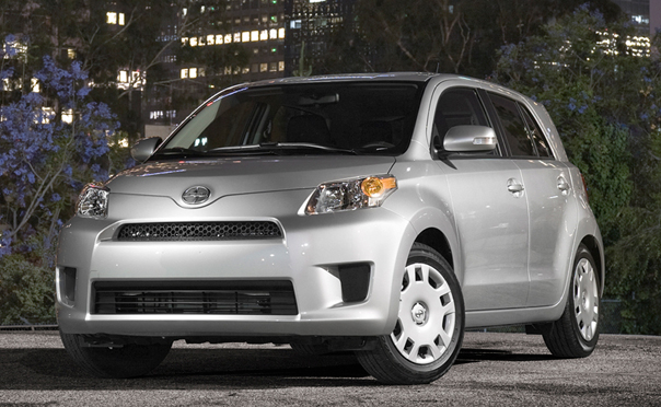 2010 Scion Xd #5