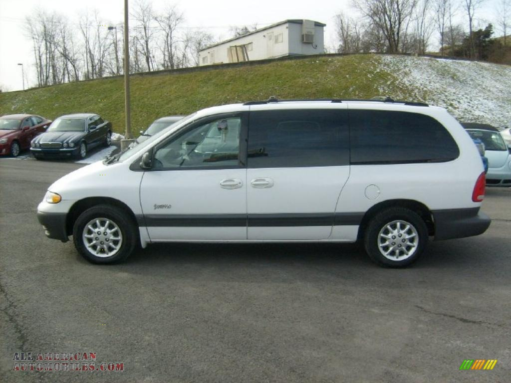 1999 Plymouth Grand Voyager #9