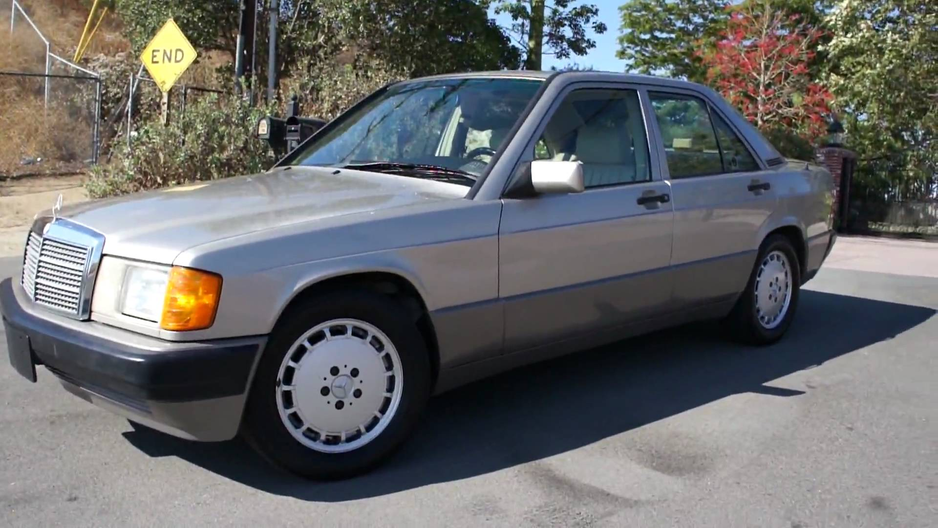 1988 mercedes benz 190 photos informations articles for Mercedes benz 1990 e300