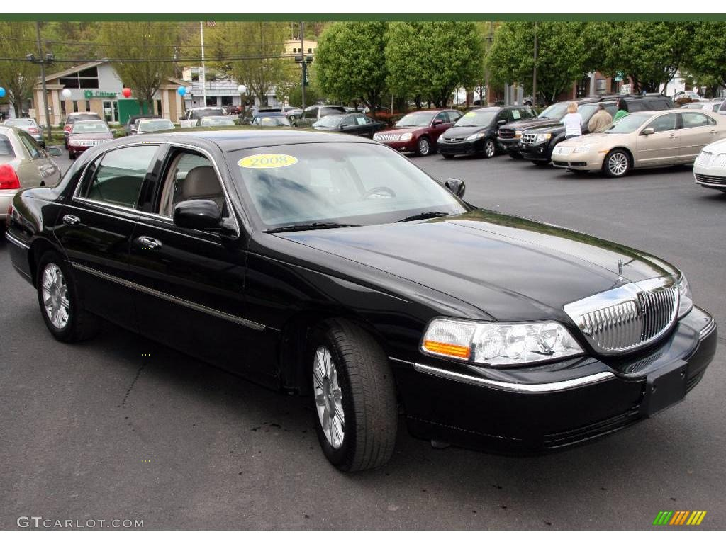 2008 lincoln town car photos informations articles. Black Bedroom Furniture Sets. Home Design Ideas