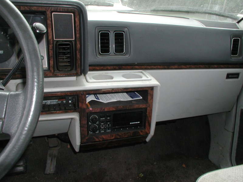 1990 Plymouth Voyager #15