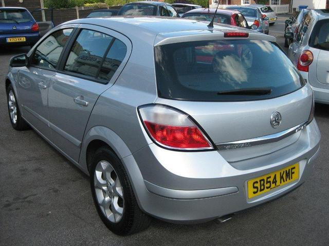 2004 vauxhall astra photos informations articles. Black Bedroom Furniture Sets. Home Design Ideas