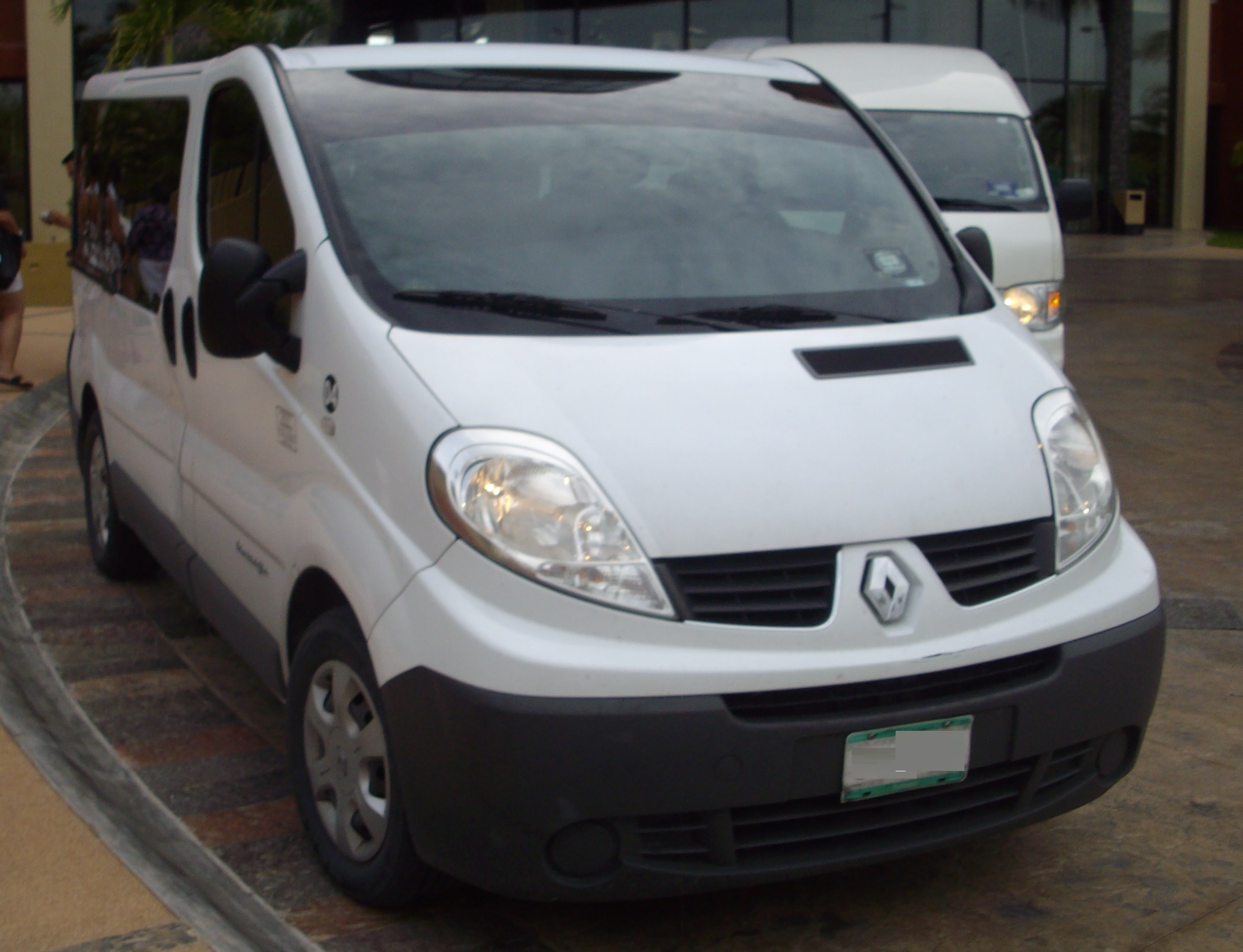 2012 renault trafic photos informations articles. Black Bedroom Furniture Sets. Home Design Ideas