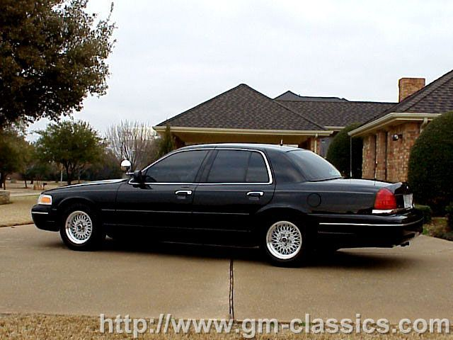 2002 Ford Crown Victoria #15