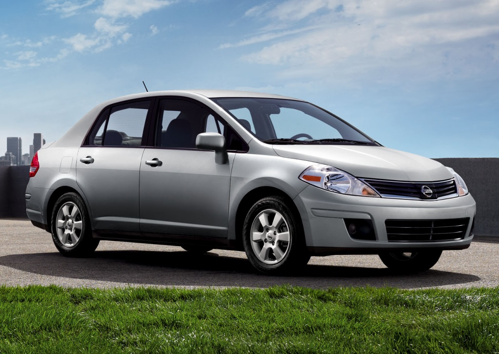2011 Nissan Tiida Photos, Informations, Articles ...