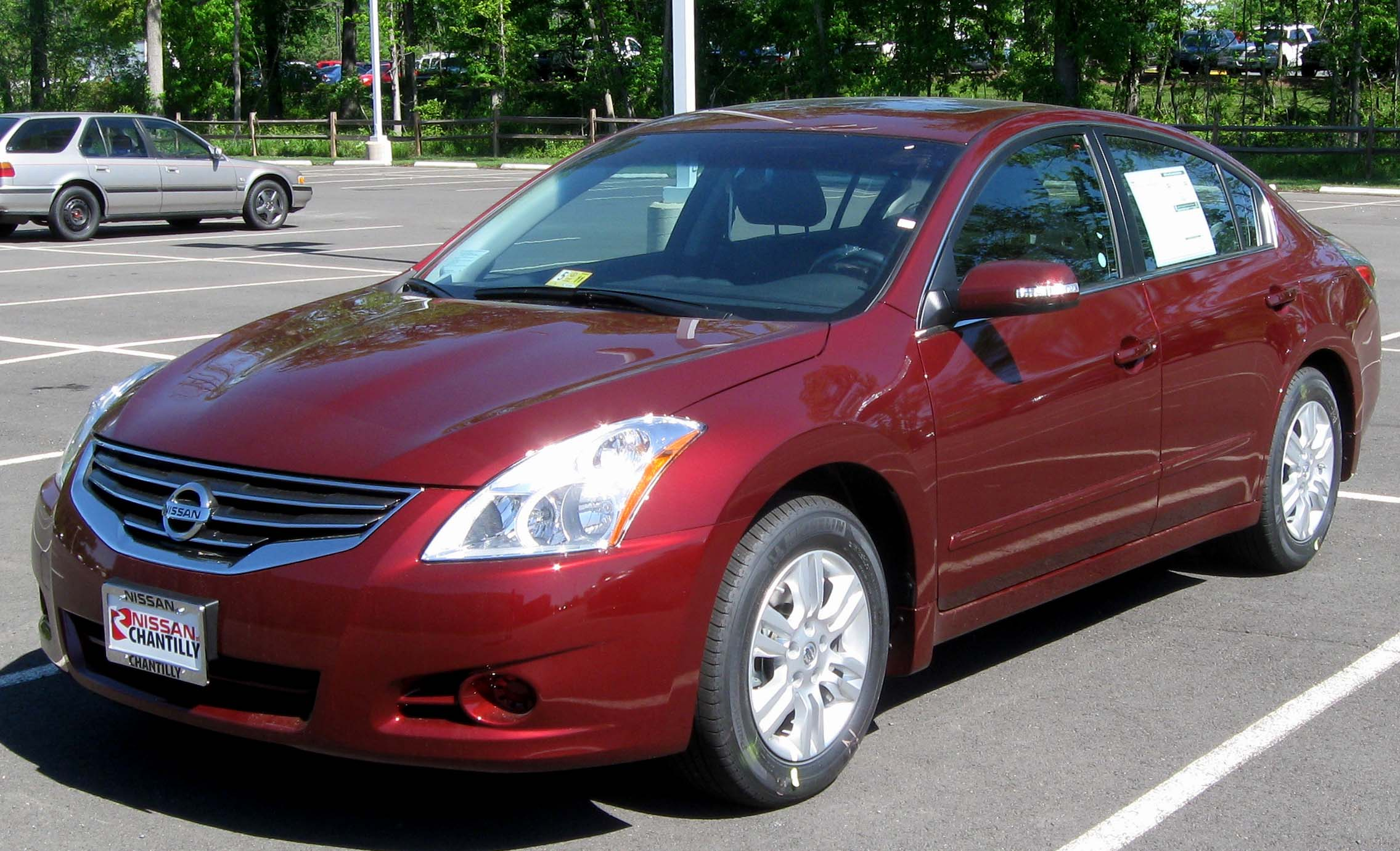 2010 nissan altima photos informations articles. Black Bedroom Furniture Sets. Home Design Ideas