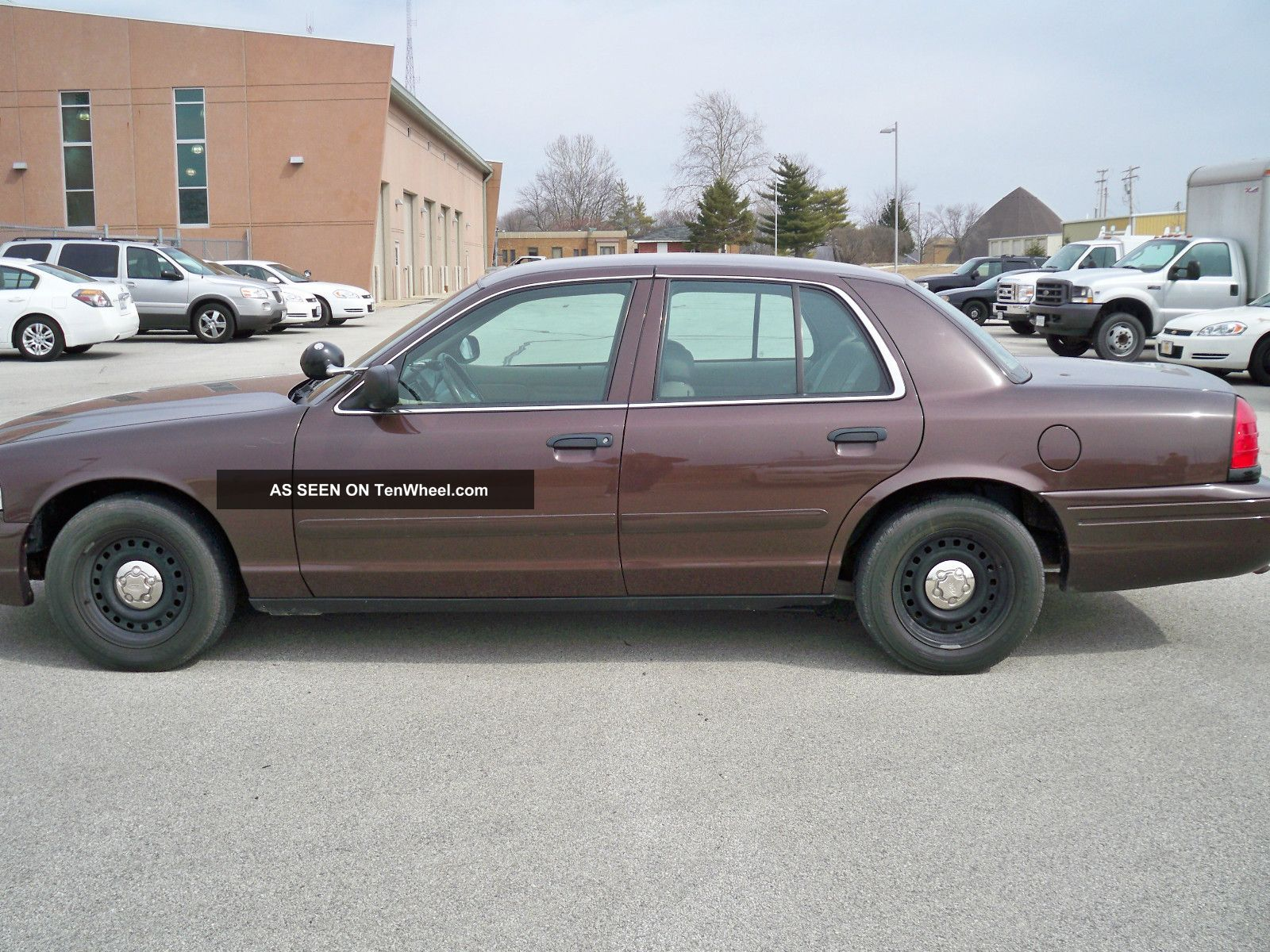 2002 Ford Crown Victoria #17