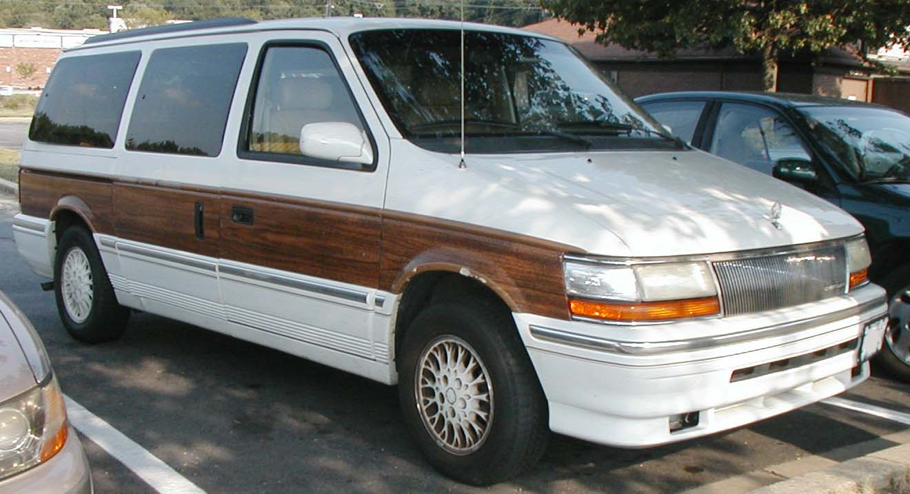 1991 Chrysler Town And Country #1