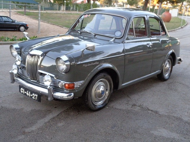 1959 Riley One-Point-Five #10