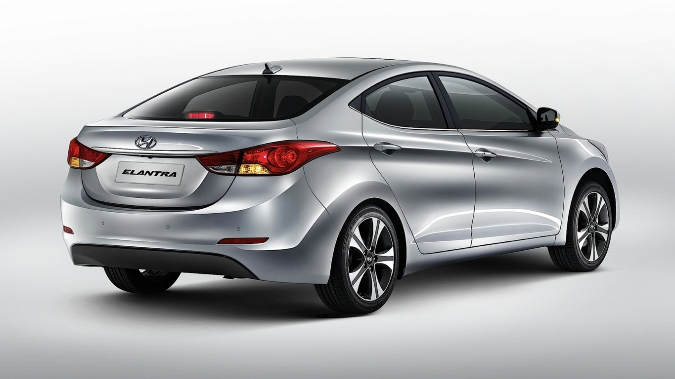 2013 Hyundai Elantra Photos Informations Articles