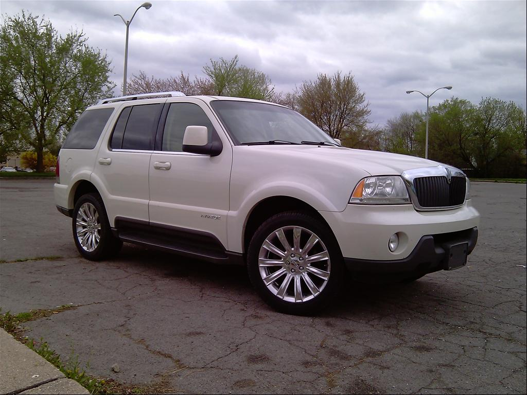Lincoln Aviator #4