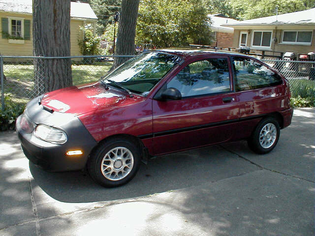 1997 Ford Aspire #8