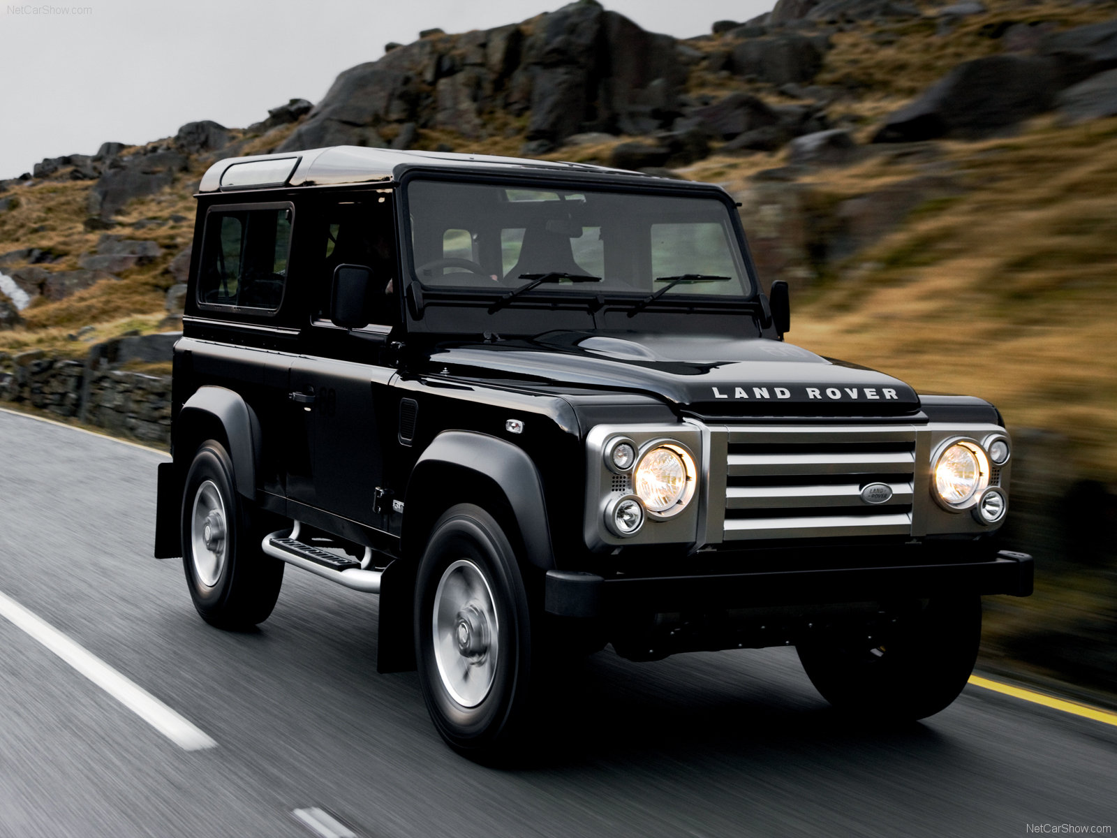 Land Rover Defender #16