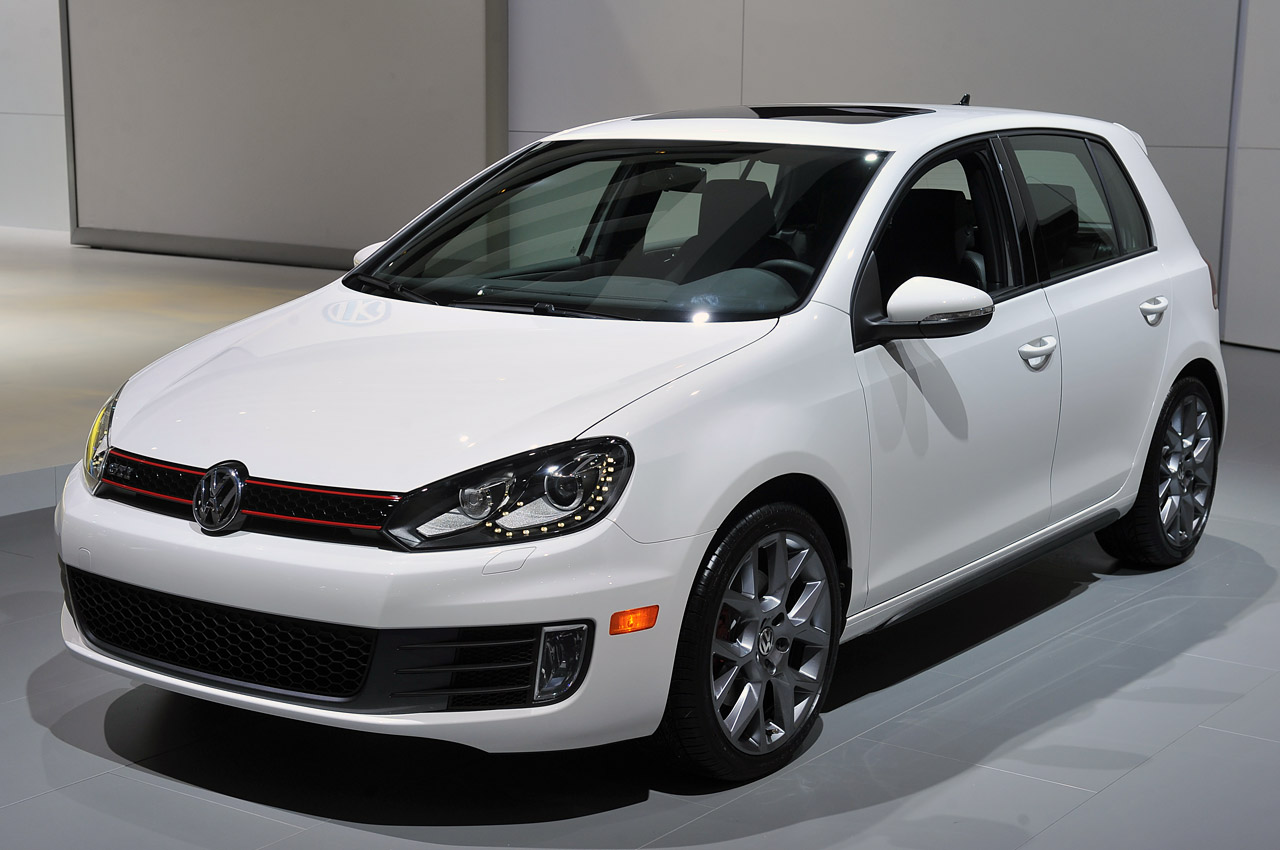 2013 volkswagen gti photos informations articles. Black Bedroom Furniture Sets. Home Design Ideas