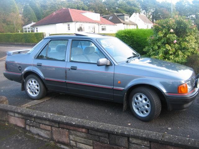 1992 Ford Orion #12