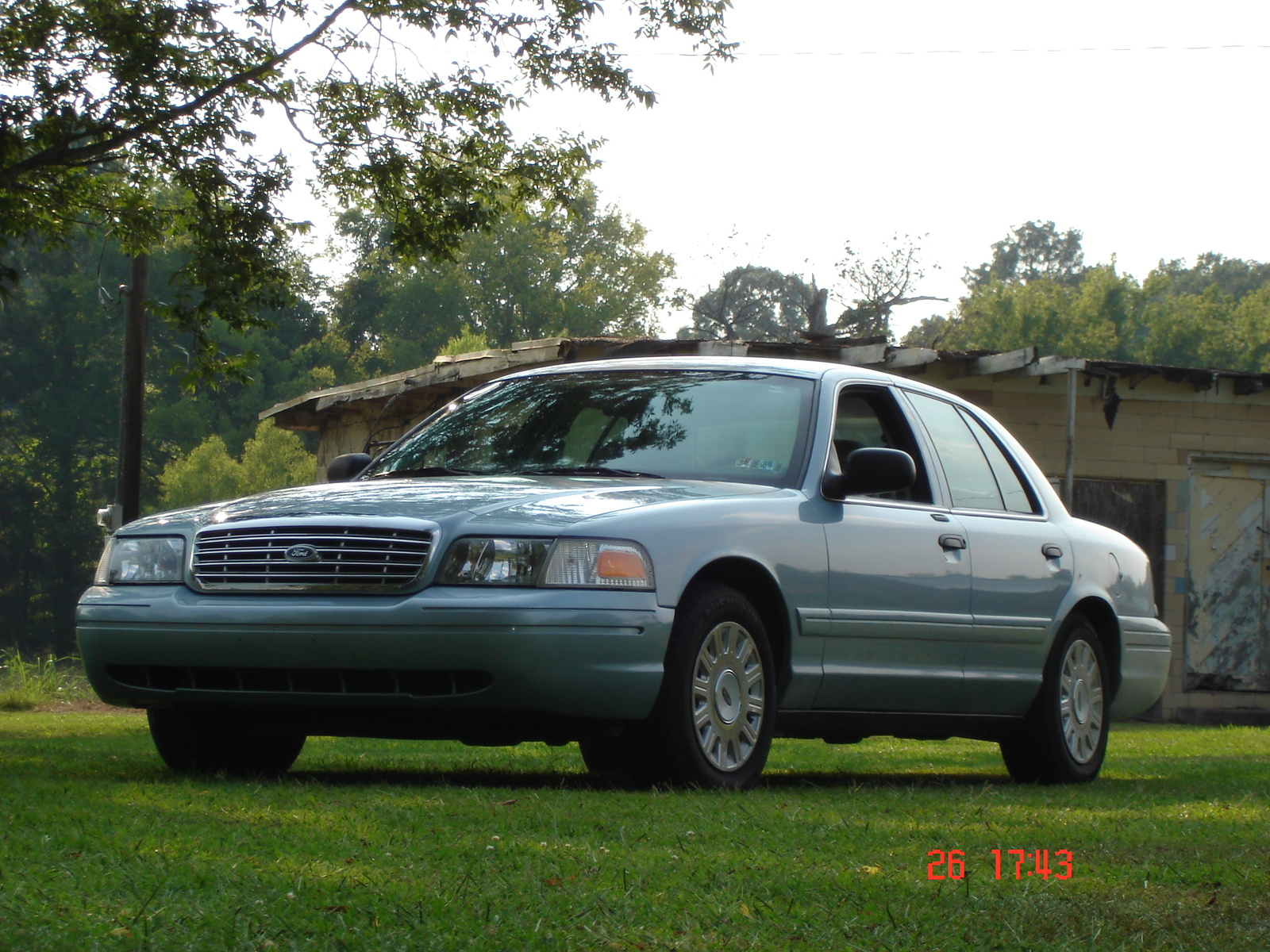 2005 Ford Crown Victoria #9