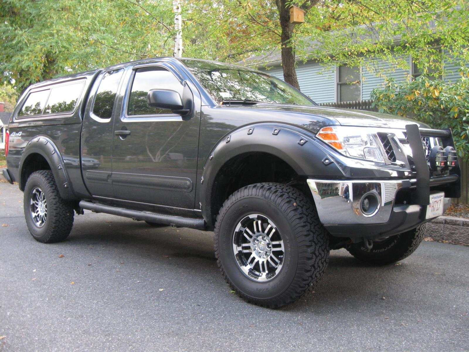 2010 nissan frontier photos informations articles. Black Bedroom Furniture Sets. Home Design Ideas