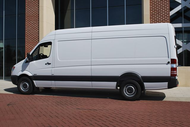 2010 Mercedes-Benz Sprinter #12