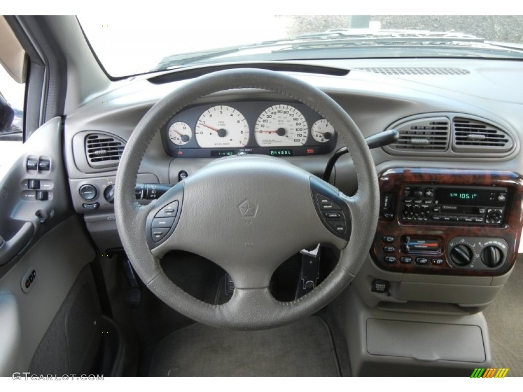 2000 Chrysler Town And Country #11