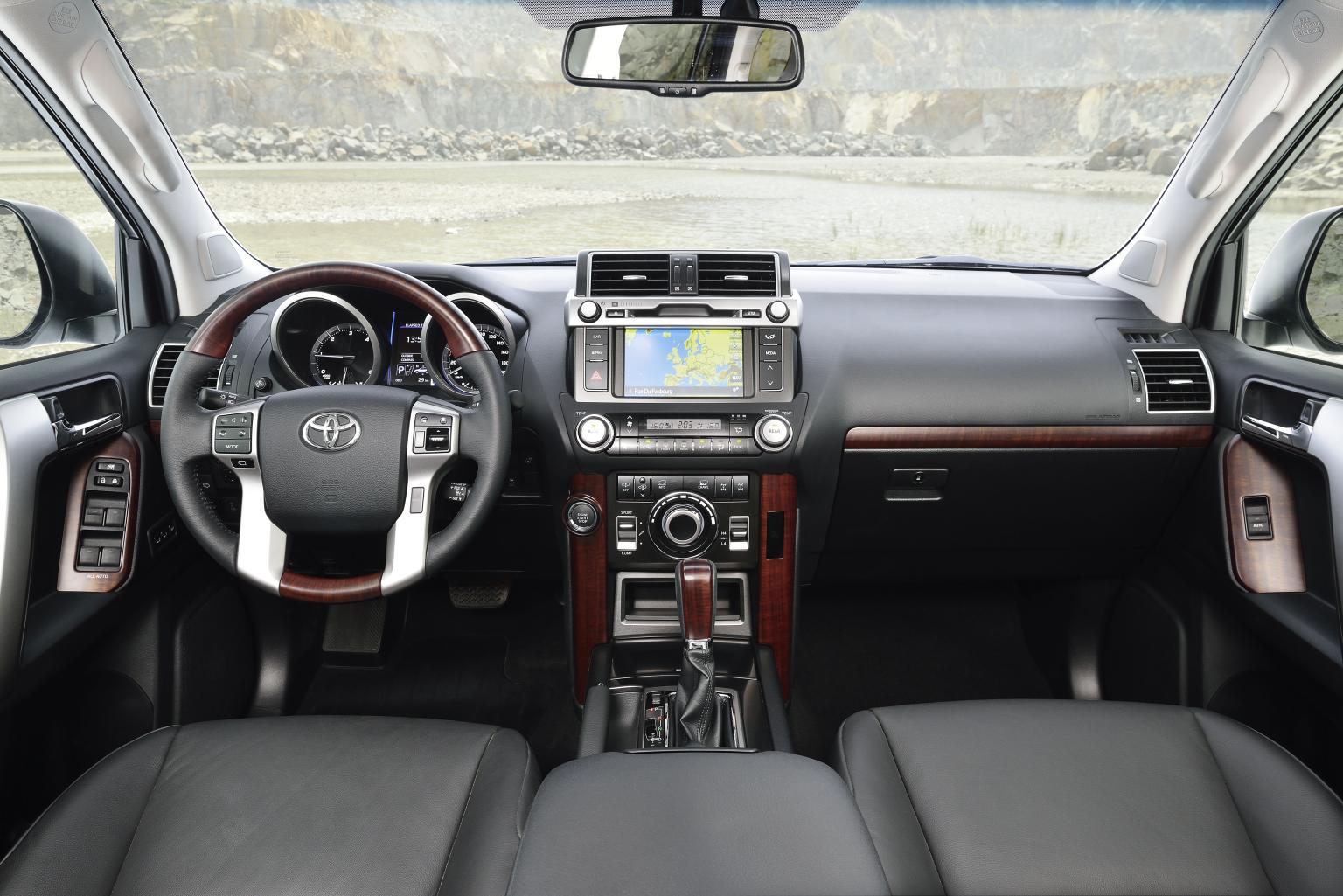 2014 Toyota Land Cruiser Photos Informations Articles 300 2015 11