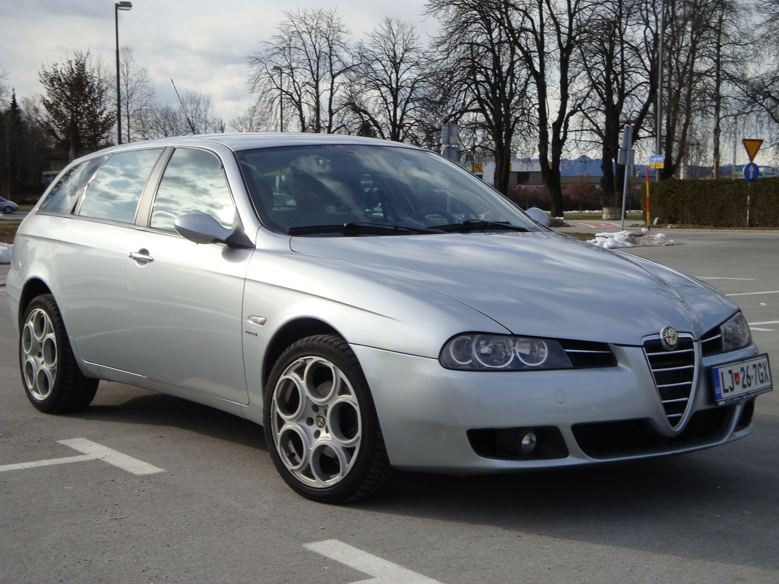 2004 alfa romeo 156 photos informations articles. Black Bedroom Furniture Sets. Home Design Ideas