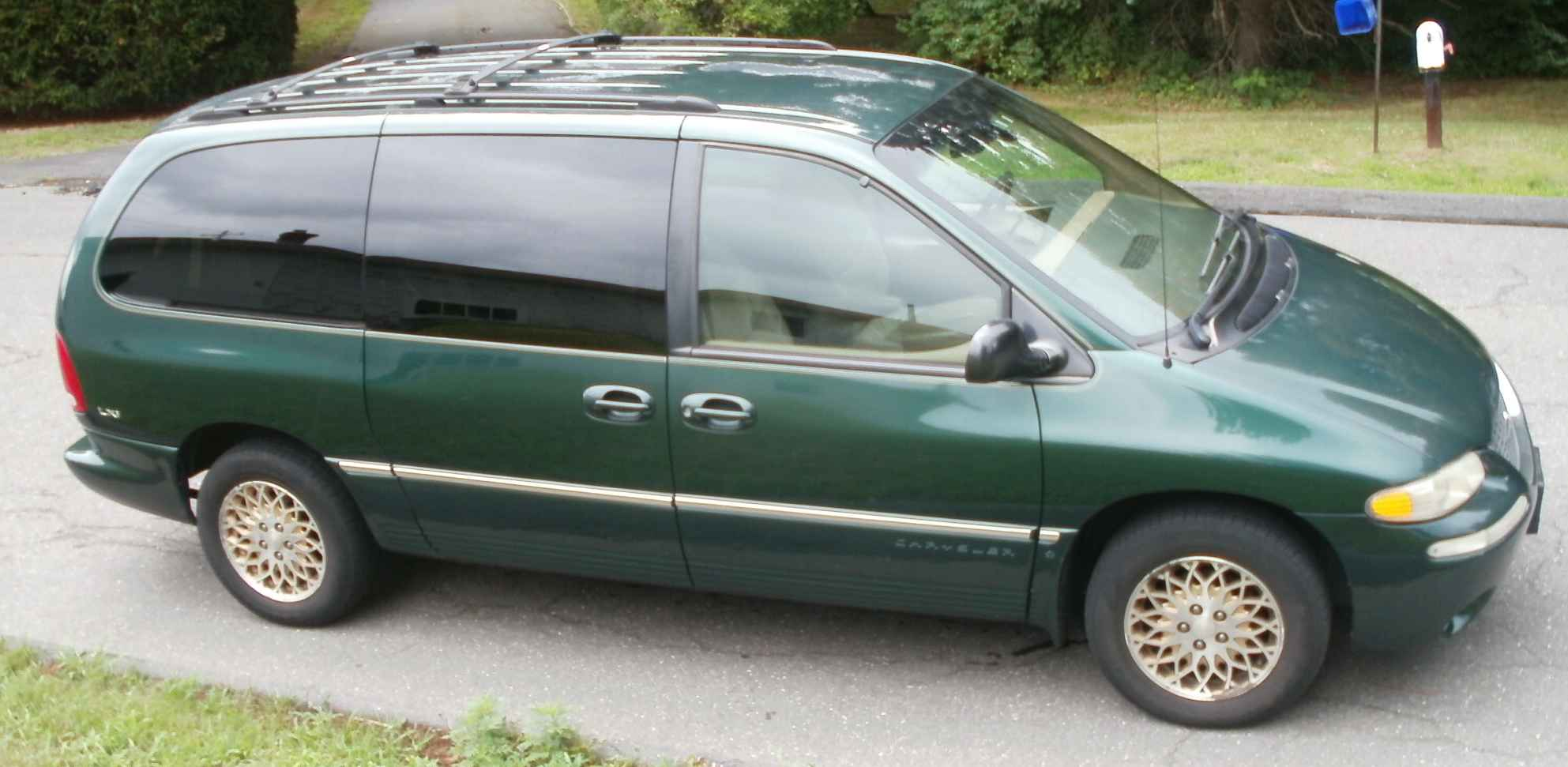 1998 Chrysler Town And Country s Informations Articles